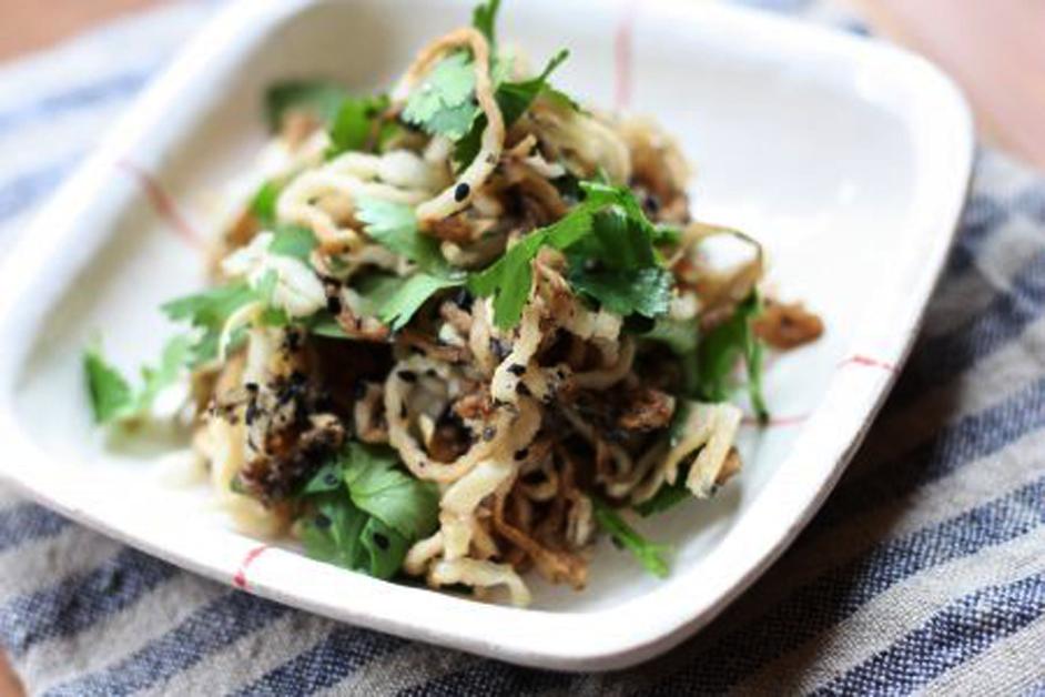 「香味野菜の切り干しサラダ」の作り方